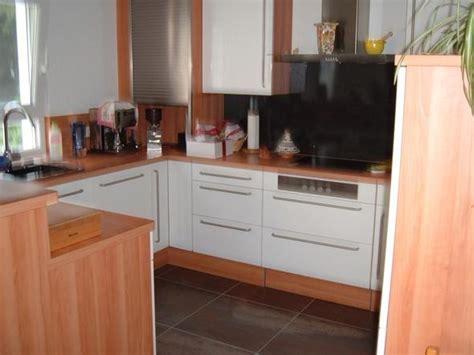 braune und weiße küchen k 252 che k 252 che wei 223 arbeitsplatte holz k 252 che wei 223 k 252 che