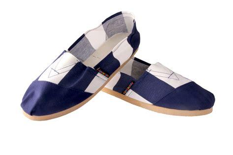 Blue Stripe Shoes applegator shoes blue stripe