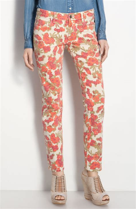 patterned jeans trend spring 2012 trend alert floral pants lauren s fashion blog