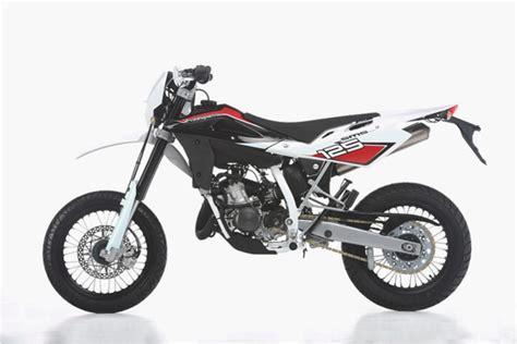 Husqvarna Motorrad Sms 125 by 2011 Husqvarna Sms4 125 Moto Zombdrive