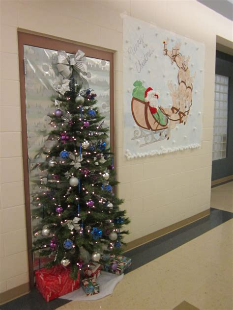 ideas for office door decorating contest for christmas