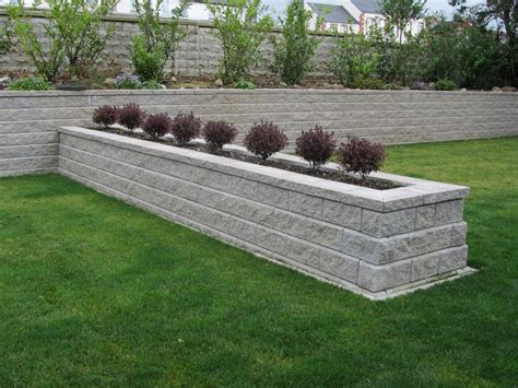 Picture Of Allan Block Retaining Wall Farmhouse Design Garden Block Wall Ideas