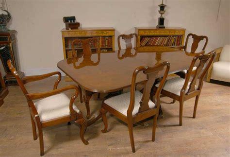 regency pedestal dining table in walnut tables antique