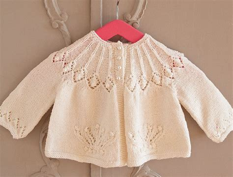 pattern knitting for baby 25 best ideas about knitting patterns baby on pinterest