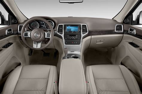 jeep grand cherokee interior 2012 2012 jeep grand cherokee reviews and rating motor trend