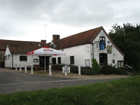 the public house norfolk file the bell public house hunworth norfolk jpg wikimedia commons
