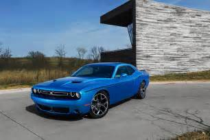 2015 dodge challenger pictures and specs