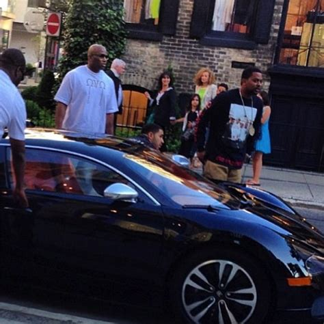drake cars drake steps out in a bugatti celebrity cars blog