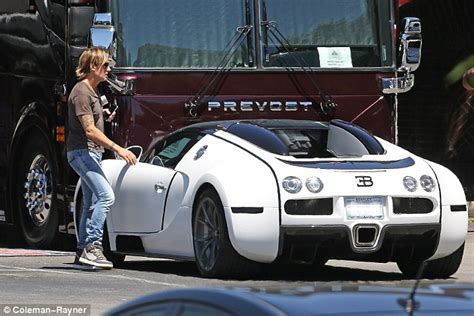 blue boat house car park keith urban spotted driving 2 7 million bugatti veyron
