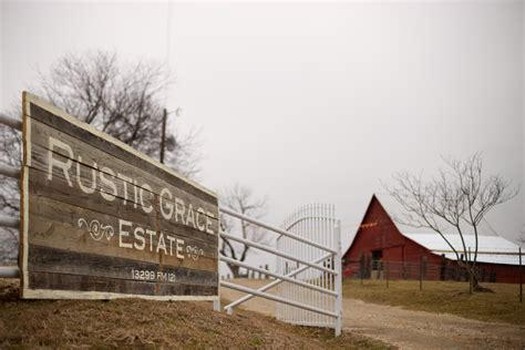 country wedding venues in dfw rustic grace estate barn wedding venue dfw rustic grace