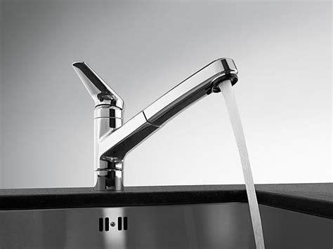 miscelatore da cucina con doccetta estraibile miscelatore da cucina da piano con doccetta estraibile kwc