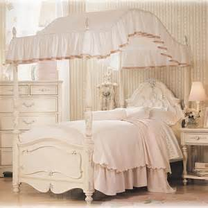 Canopy Bed Linens by Jessica Mcclintock Romance Canopy Bed At Hayneedle
