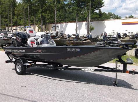 aluminum boats bass pro tracker pro team 175 tf aluminum fish boats for sale