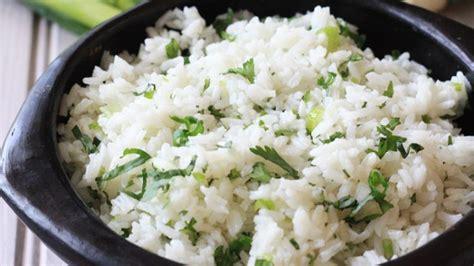 Rice Cooker Biasa 9 Bahan Simpel Rice Cooker Nasi Putih Praktis Yang Beda Dari Biasa Mau Coba