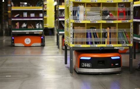 amazons  robots  shipping  order  holiday time
