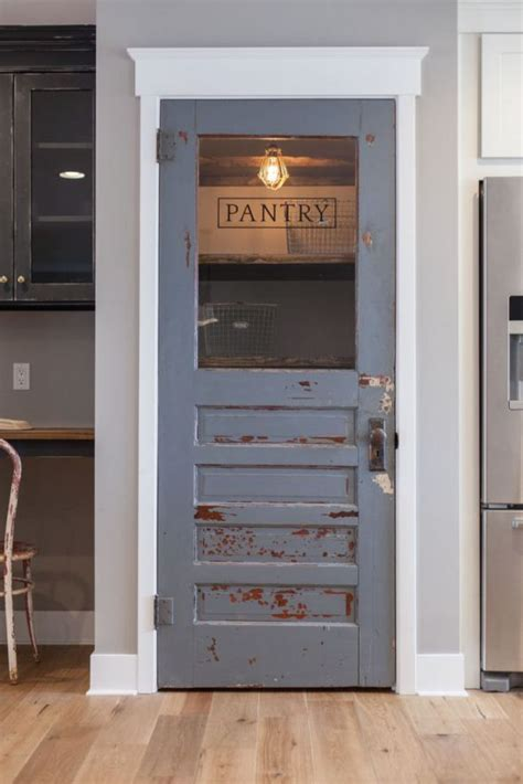 Rustic Pantry Doors by 25 Best Ideas About Farmhouse Trim On Window