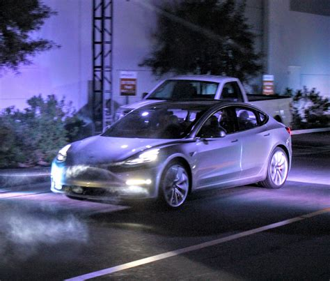 Tesla Model S Kwh Per Mile Tesla Model 3 Can You Drive It To Wally World