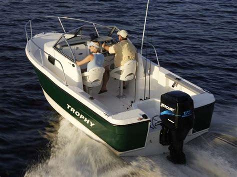 bayliner boats for sale europe trophy trophy walkarounds trophy 1802 walkaround for