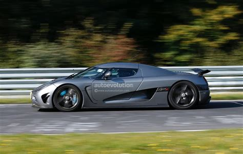 koenigsegg crash test new koenigsegg agera development car has serious crash on
