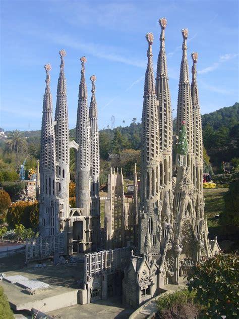 Home Design Plaza Ecuador by 5 Five 5 Sagrada Familia Barcelona Spain