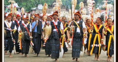 Baju Adat Nagekeo upacara adat rebha bajawa flobamorata ntt