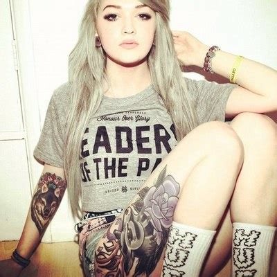 pretty girls with tattoos pretty and wolf on leg tattoomagz