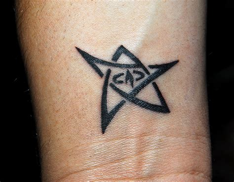 elder sign tattoo by cynnyr on deviantart
