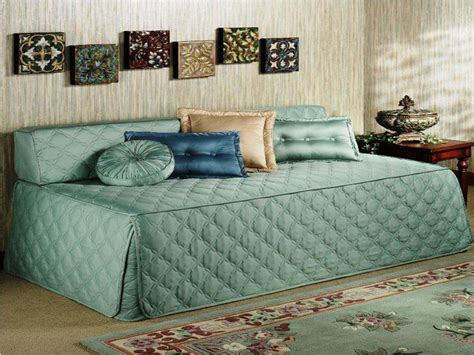 coverlets for daybeds 1000 ideas about daybed covers on pinterest daybeds