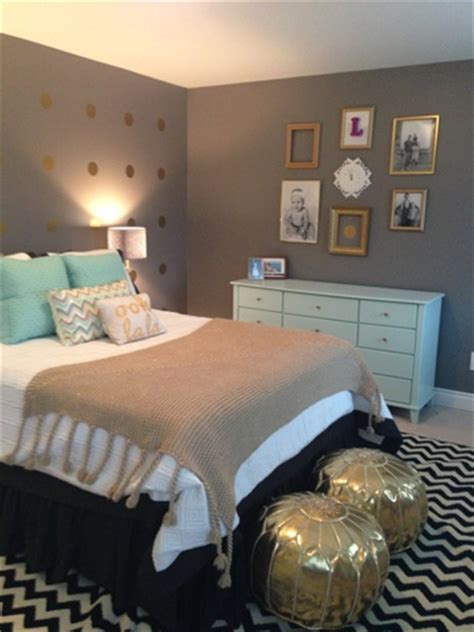 those bedroom mint gold and grey bedroom minus those stupid looking gold ottomans i m a fan of the color