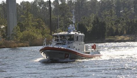 registering your boat with the coast guard dvids news coast guard crew receives 144th response
