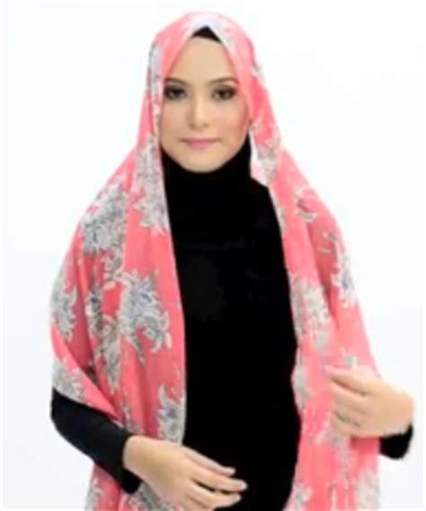 tutorial hijab organza menutup dada tutorial hijab pasmina motif menutup dada simpel elegan