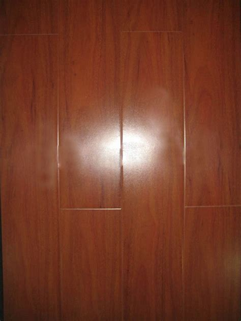 china wood laminate flooring hdf ce approved china china 12mm high glossy hdf laminated floor ce photos