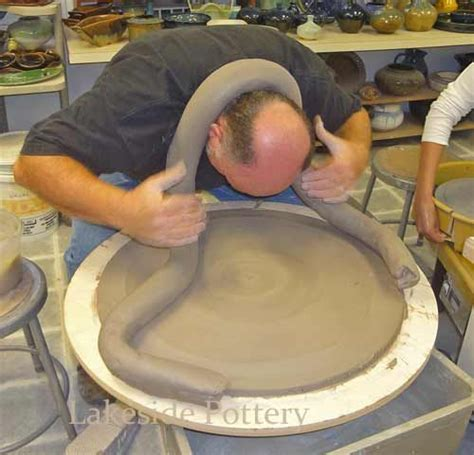 throwing a pot throwing a large platter or bowl simplified way to throw