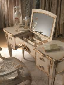 Mirrored Top Makeup Vanity Bedroom Luxurious Bedroom Interior Design With Mirrored