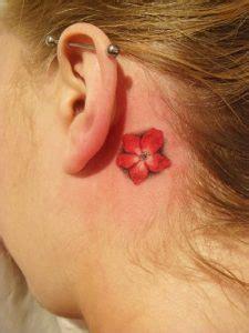 foto tatuaggi fiori di pesco tatuaggio fiori di pesco significato disegni e fotografie
