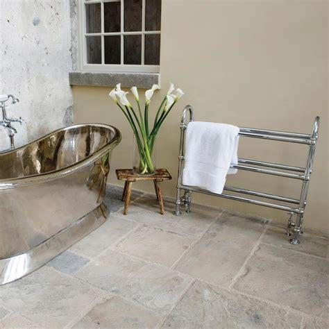 cottage style badezimmerideen cottage style bathroom with rollbop bath landhausstil