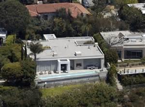 Hollywood Celebrity Homes by Keanu Reeves Home Hollywood Hills Celebrity Homes Lonny