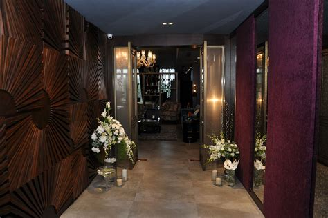 the maroon manor is a luxury home decor store lbb mumbai the maroon manor is a luxury home decor store lbb mumbai