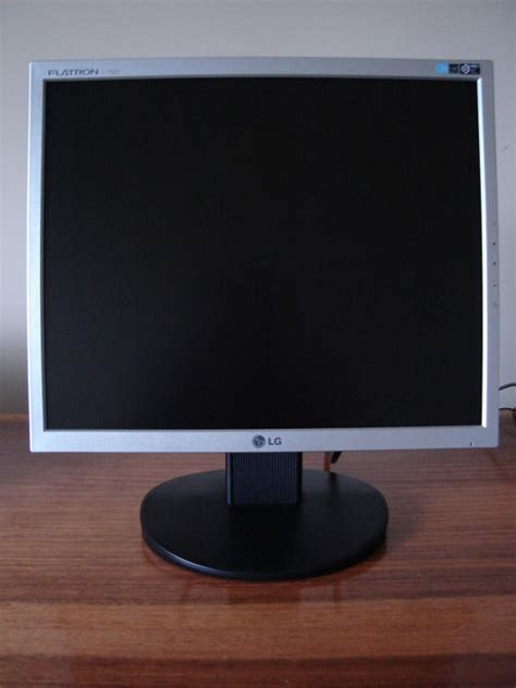 Monitor Lg Flatron L1752s review monitor lcd lg flatron l1752s