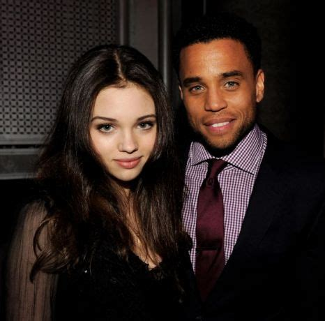 michael ealy y su novia kate beckinsale glitters in gold at underworld awakening