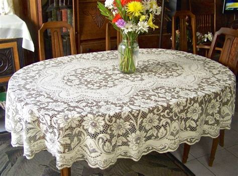 Oval Table Cloth by Best 25 Oval Tablecloth Ideas On Drapery