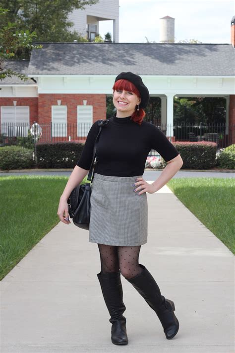 Dotted Mini Skirt file black beret black turtleneck top houndstooth mini