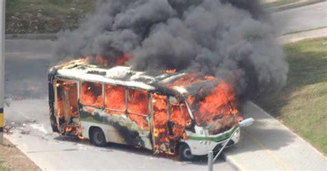 buses alimentadores metro medellin encapuchados queman bus en medell 237 n