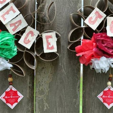 diy christmas wreaths recycled gifts tip junkie