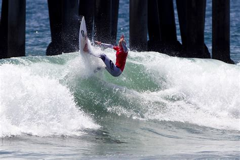lakey peterson nears perfection at nike us open of surfing