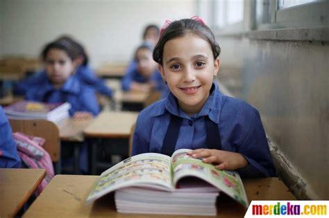 anak anak merdeka foto menengok sekolah anak anak pengungsi palestina di