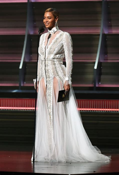 beyonce wears wedding gown to 2016 grammy awards photos