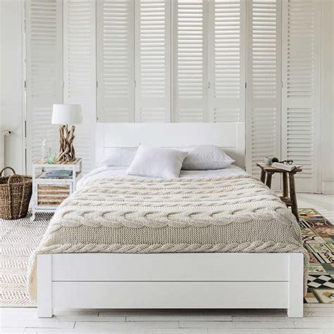Lit 140x190 Blanc by Lit 140x190 En Pin Massif Blanc White Maisons Du Monde