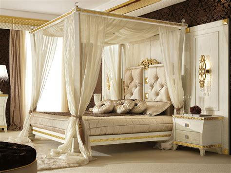Luxury King Size Canopy Bedroom Sets Canopy Bed With Upholstered Headboard Gold