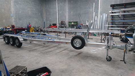 boat trailer rollers or skids triaxle aluminium trailer with skids and centre roller